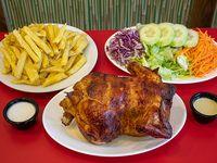 Combo 2 - Pollo entero + papas fritas porción grande + porción de ensalada + 6  salsas
