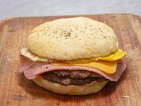 Hamburguesa gigante doble con jamón, queso y huevo