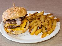 Burger yankee + papas fritas + bebida en lata