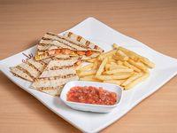 Combo - Quesadillas de pollo + acompañamiento + soda 355 ml