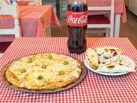 Promo - Pizza con muzzarella grande + 6 empanadas + Coca cola 1.5 L