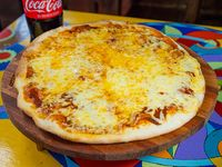 Promo - Pizza muzzarella + Coca-Cola 1.5 L