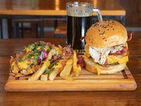 Hamburguesa americana + papas fritas + gaseosa