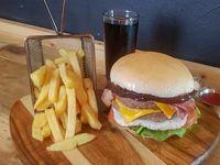 Combo - American Burger + papas fritas + bebida 350 ml