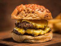 Doble cheese burger con guarnición