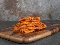 Ración de papas fritas de camote