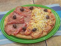 17 - Pizza de Napolitana con Jamón