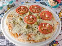 Pizza grande  mitad muzzarella y mitad napolitana sin gluten