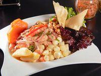 Ceviche de salmón y camarón