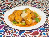 99 - Buñuelo de pollo frito con salsa agridulce