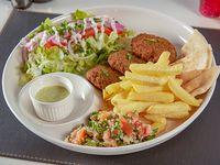 Falafel shawarma (vegetariano) con papas fritas