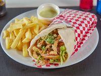Shawarma clásico de pollo con papas fritas