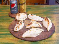Promo - 6 empanadas + 2 bebidas en lata