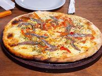 Pizza con anchoas mediana
