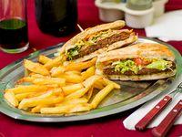 Sándwich de hambruguesa en pan árabe especial