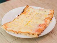 Pizza muzzarella (porción)