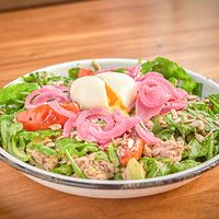 Avocado y tuna salad