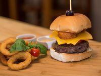 Rosti cheddar burger