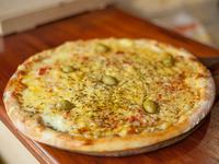 01 - Pizza especial con muzzarella