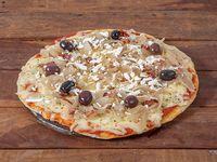 Pizza con cebolla y panceta