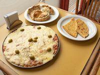 Promo - Pizza muzzarella grande + 4 empanadas + 2 porciones de fainá