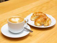 Promo - 2 medialunas con café