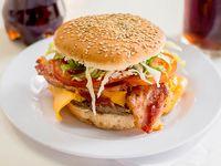 Hamburguesa especial con cheddar y bacon