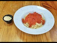 Pasta con salsa nápoli