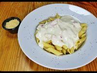 Pasta con salsa carbonara