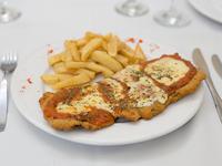 Milanesa de ternera o pollo napolitana con guarnición