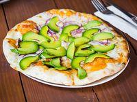 Pizza avocado