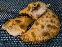 Empanada de roquefort con jamón al horno