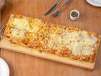 Promo Verano - Metro de pizza muzzarella con orégano