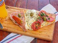 Combo - 3 porciones de pizza de muzzarella + jugo de 600 ml