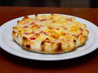 Tarta de jamón y queso para compartir