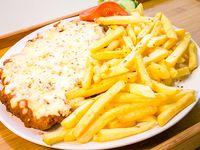 Milanesa especial con papas fritas