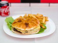 Promo - Hamburguesa completa + papas fritas + Coca Cola en lata 354 cc