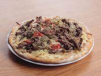 16 -  Pizza con carne a cuchillo