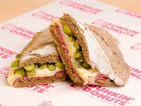 Sándwich hot pastrami