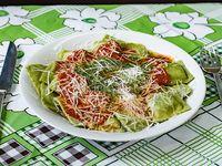 Ravioles de verdura, pollo y salsa a elección