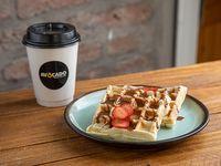 Combo - Café + 2 Waffles con Salsa