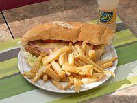 1) Sándwich de milanesa con papas fritas