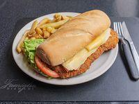 Sándwich de milanesa + papas fritas