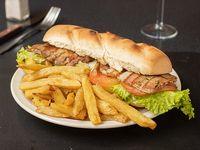 Sándwich de bondiola + papas fritas