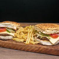 Promo - 2 hamburguesas tradicionales enormes + papas fritas