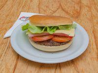 05 - Hamburguesa con jamón, queso, tomate y lechuga