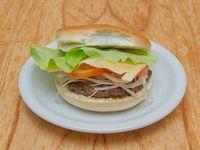 04 - Hamburguesa con queso, cebolla, tomate y lechuga