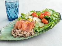 Ensalada con salmón ahumado