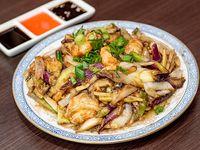 100 - Langostinos con hongos y bambú chino