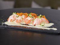 Nigiri de salmón nikkei (4 unidades)